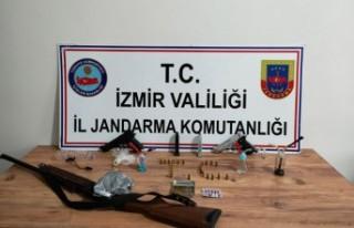 İzmir'de uyuşturucu şebekesine operasyon:...