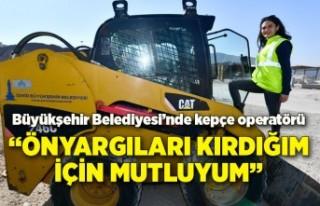 İzmir Büyükşehir Belediyesi'nde kadın tek...