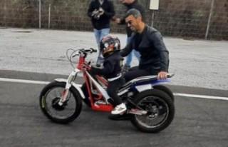 Kenan Sofuoğlu, 2 yaşındaki oğlunu yarışlara...