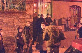 Doğum günü partisine polis baskını
