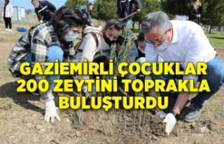 Gaziemirli çocuklar 200 zeytini toprakla buluşturdu