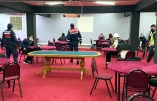 Kısıtlamayı ihlal edip, kumar oynayan 24 kişiye...