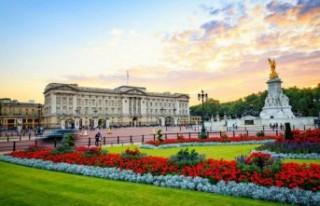 Kraliçe Elizabeth'ten bir ilk: Buckingham Sarayı'nı...