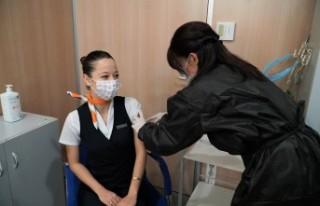 SunExpress uçuş ekipleri, Covid-19 aşısı olmaya...