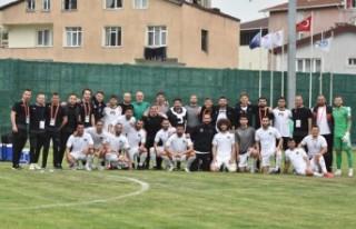 Manisa FK namağlup şampiyon olup tarihe geçti
