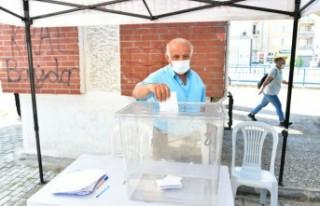 Çiğli'de sandıklar kuruldu, halka talepleri...