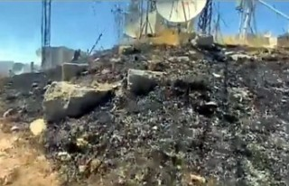 Makilik alandaki yangın vericiler ve elektrik hattına...