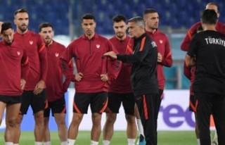 Şenol Güneş, İtalya maçının faturasını 4...