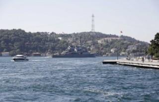 ABD savaş gemisi İstanbul Boğazı'ndan geçti