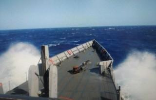 MSB: 45 kişinin bulunduğu tekne battı