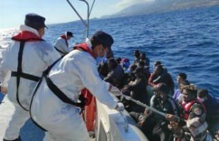 İzmir'in 3 ilçesinde 3 günde 184 kaçak göçmen...