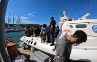Seferihisar'da 197 göçmen kurtarıldı