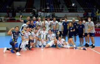 TSYD İzmir Turnuvası'nı Arkas Spor kazandı