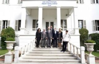 EÜ Çeşme Turizm Fakültesinde akademik yıl coşkusu