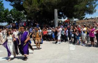 Efes'te Ziyaretçi İzdihamı