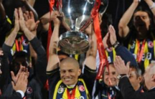 Fenerbahçe  İstanbul'da coşkuyla karşılandı