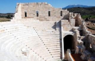 Dünyanın İlk Meclis Binası Ziyarete Açılıyor