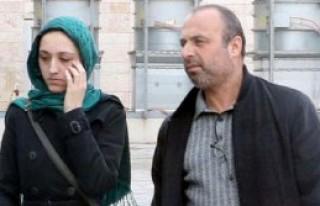 Kitap Çaldığı İddia Edilen Genç Kız Tutuklandı