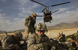 Afganistan'da Saldırı: 2 NATO Askeri Öldü