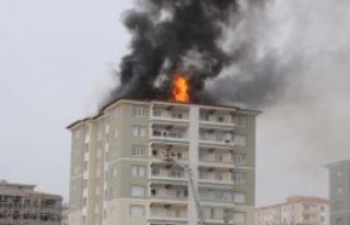 11 Katlı Apartmanda Yangın