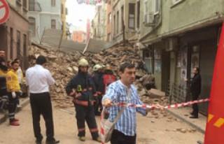 İstanbul'da 5 Katlı Bina Çöktü