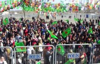Iğdır'da Nevruz'u 500 Kişi Kutladı, Bin Polis...