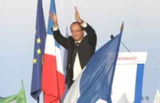 Hollande'den Kampanya Ekibine Teşekkür