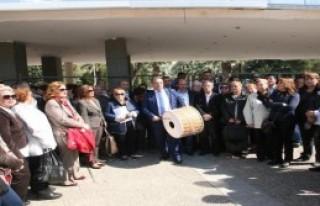 AK Parti'ye Davullu Çağrı