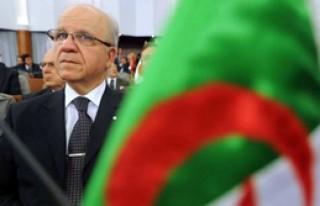 Türk Elçi, Cezayir'i Karıştırdı