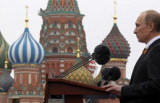Rusya Bayramını Kutluyor