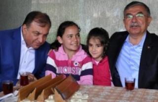 'Yeni Türkiye'nin Kuruluşuna Bir Tuğla Koyun'