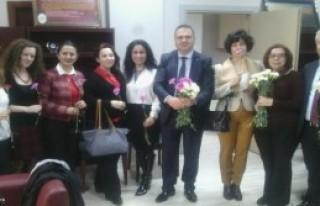 Baro Başkanından Avukatlara Karanfil