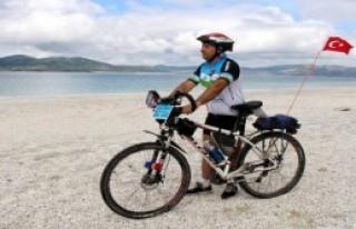 Bisikletle Salda Gölü Çevresini Dolaştılar