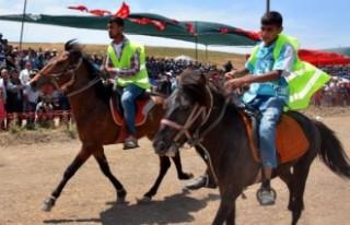 Rahvan Atlar Menemen'de Yarıştı