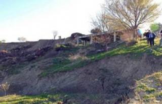 Mersin'de Toprak Kayması: 1 Ölü