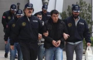 Müzik Grubu Üyesi 3 Kişi Tutuklandı