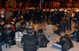 CHP'nin TIR'ı Polis Zoru İle Kaldırıldı