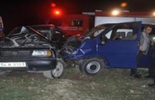 Cip İle Minibüs Çarpıştı: 4 Yaralı