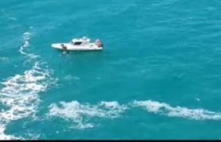 Dalganın Denize Düşürdüğü Genç Öldü