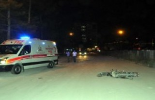 Kasksız Sürücüsü Yaralandı