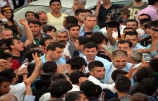 Diyarbakır'da Hdp Mitinginde Patlama