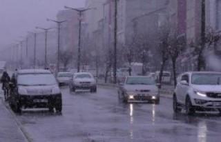 Doğu'da Kuvvetli Kar Yağışı Var