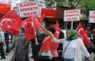 Kadınlardan Akşener'e Destek Yürüyüşü