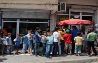 HDP Barajı Geçince Dönerler Bedava Oldu