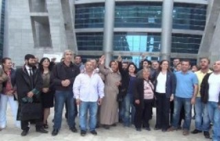 İşçiler Mahkemenin Kararını Halaylarla Kutladı