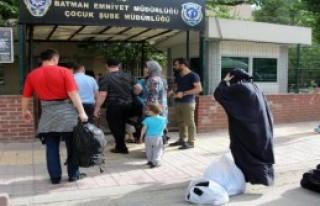Işid'e Katılmak İsterken Sınırda Yakalandılar