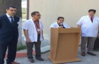 Kırkağaç'ta Sağlıkçılar 15 Dakika İş Bıraktı