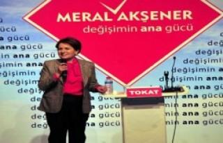 Meral Akşener'e Tokat'ta Coşkulu Karşılama