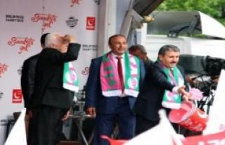 Isparta'da Erdoğan'a Eleştiri