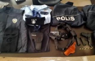 Polis Üniformasıyla Esnafı Dolandırdı